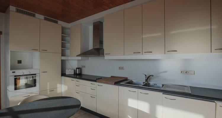 Keuken met toestellen
